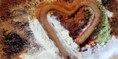 Sól himalajska, zmiksowane daktyle i kawa orkiszowa, czyli zdrowe zamienniki soli, cukru i kawy