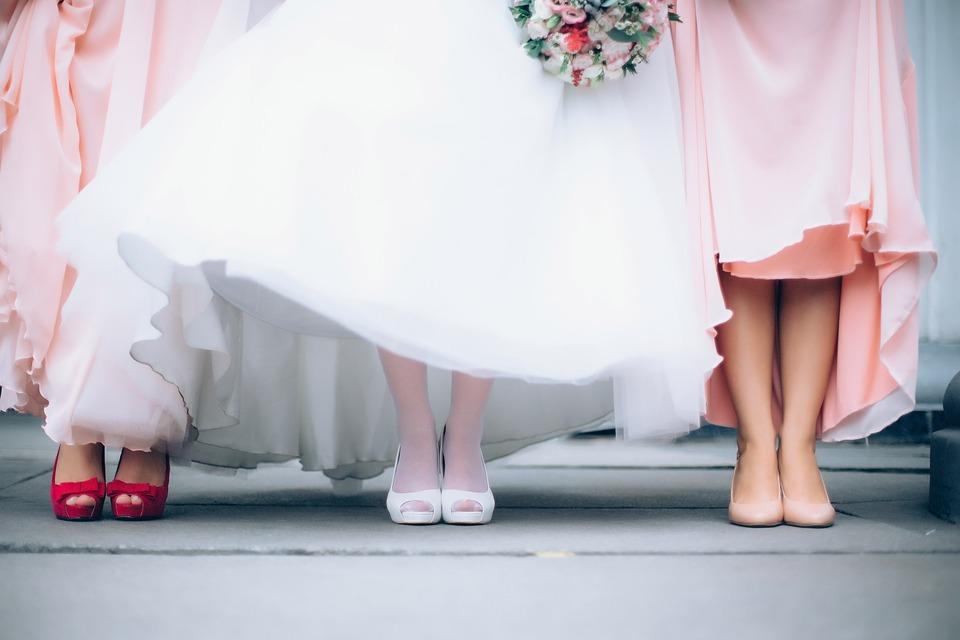 Świadkowa i druhny - obowiązki, ubiór i wybór odpowiednich osób