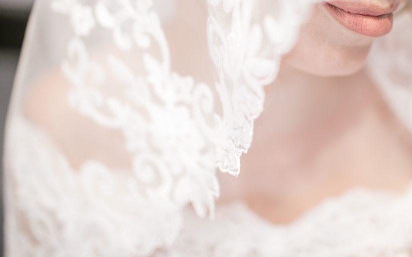 Dodatki ślubne dla panny młodej - nakrycie głowy